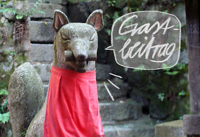 Fushimi Inari Fuchsstatue mit Sprechblase