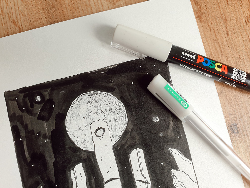 Inktober Zeichnung mit weißem Highlighter Stift